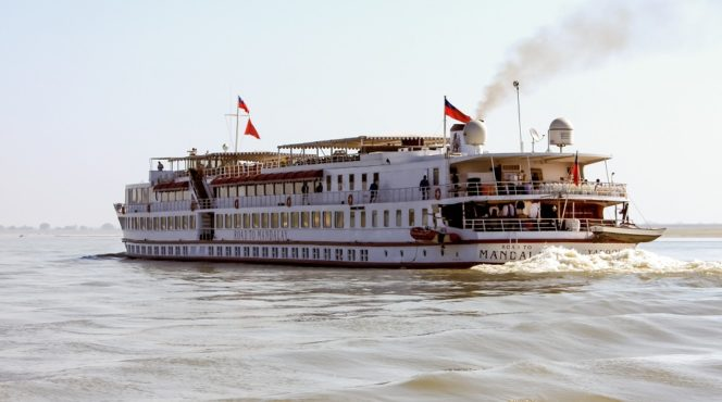 Road_to_Mandalay_cruise